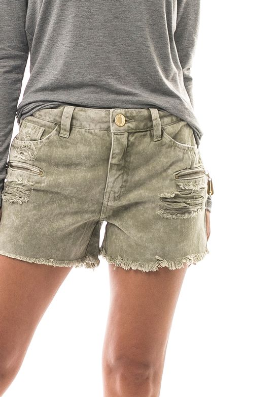 shorts-jeans-curto-destroyed
